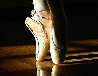 Troppo amore per la danza. E la madre rischia l'affidamento della giovane etoile