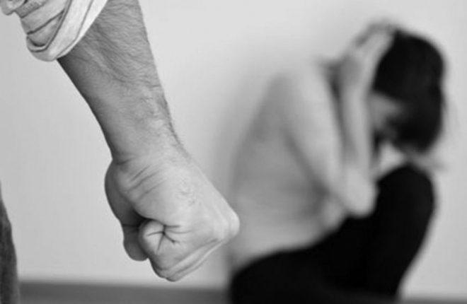 Giudice toglie i figli a una donna vittima di violenze: ricusato