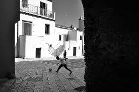 Tornano a casa i bambini sottratti mentre giocavano in strada