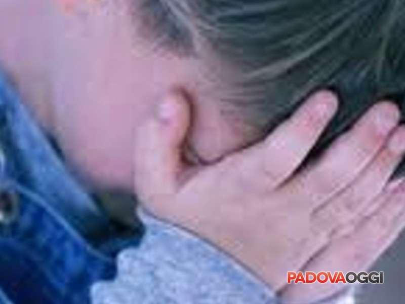 padre rinviato a giudizio per pedofilia
